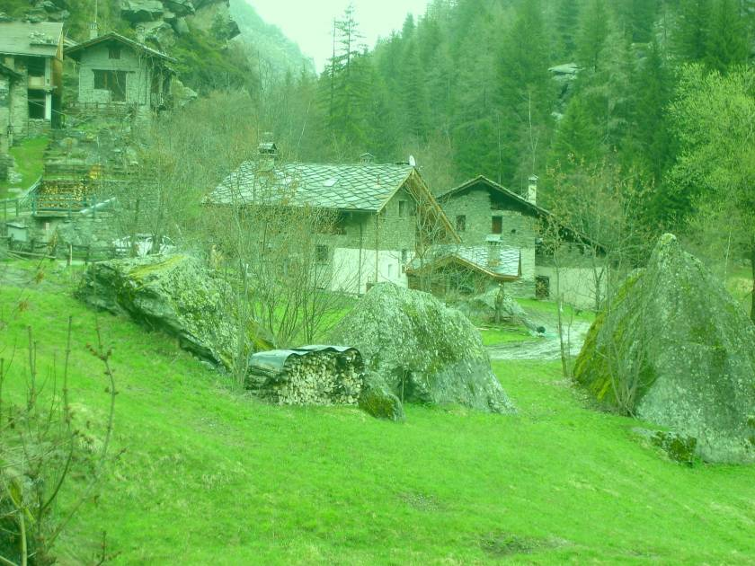 Walking in Valgrisenche Valley