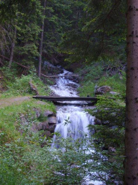 one of the many waterfalls on the way to Etroubles